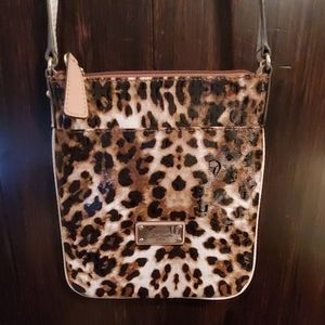 Guess crossbody leather leopard print purse!